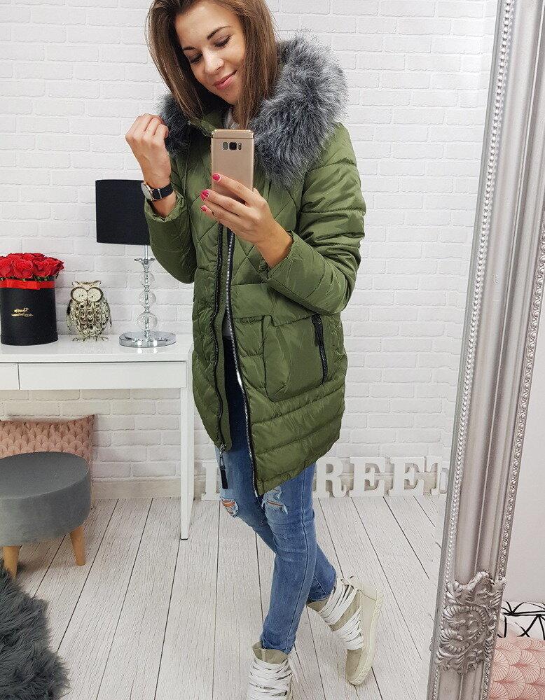 45592f36b8bff Zelená dámska bunda na zimu s kapucňou (ty0366)